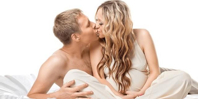 Можно ли заниматься сексом при беременности, половой покой, позы, выделения