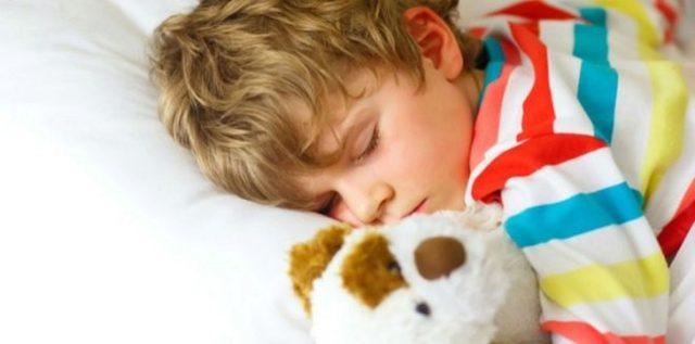 Какие успокоительные дать ребенку, если он плохо засыпает?