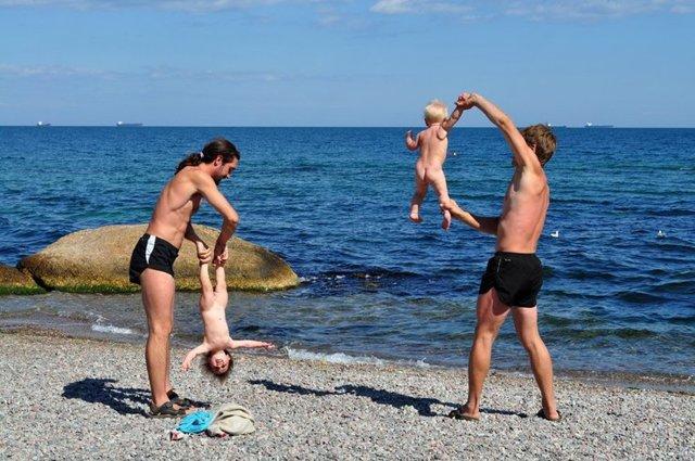 Динамическая гимнастика для грудничков: с чего начинать и когда, возможный вред