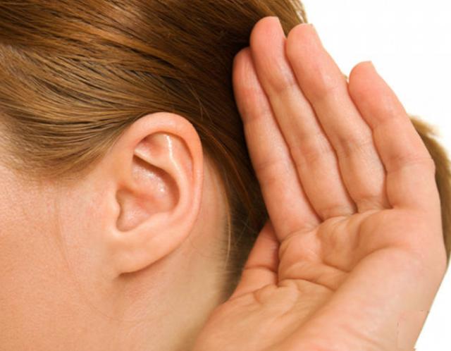 Заложило ухо пи насморке, простуде: как снять заложенность, что делать в домашних условиях