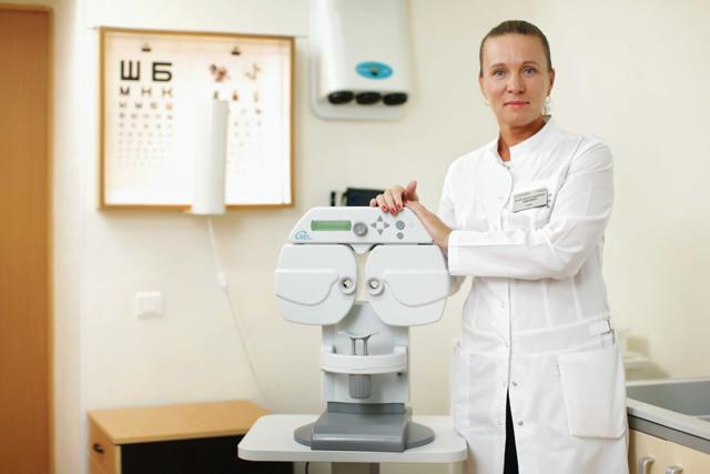 Химический ожог глаза: причины, как проявляется, первая помощь и лечение