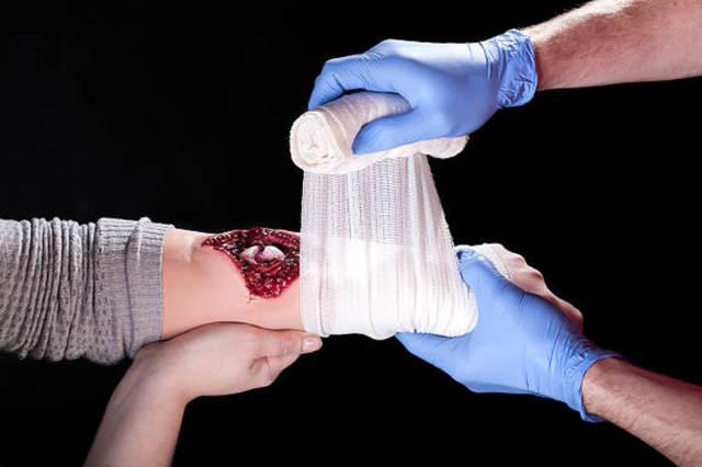 Чем обрабатывать резаные раны?
