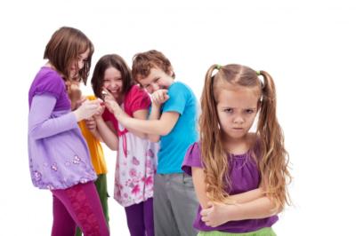 Плюсы и минусы детского садика, когда лучше отдавать ребенка