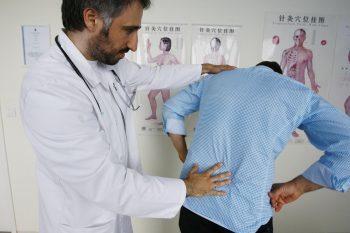Продуло спину: чем лечить миозит мышц спины, симптомы и лечение миозита спины