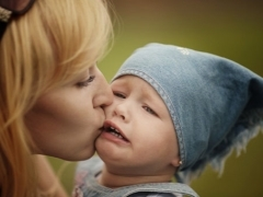 Какое успокоительное дать ребенку в 2 года, чтобы не психовал?