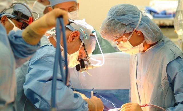 Свищ шеи, бранхиогенный свищ: причины, симптомы, диагностика, лечение, риски