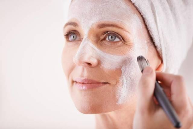 Комбинированная кожа лица: уход в домашних условиях, выбор косметики и масок