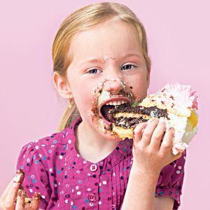 Вред сладкого для детей, можно ли детям сладости, с какого возраста