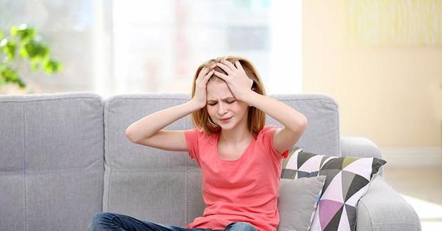 Нерегулярные месячные у девочки подростка, задержка в 12, 13 лет