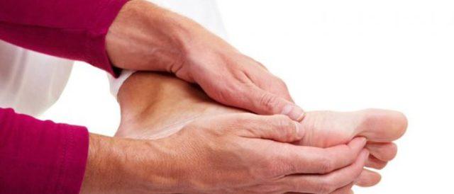 Грибок стоп: симптомы, пути заражения микозом, диагностика, лечение, методы профилактики